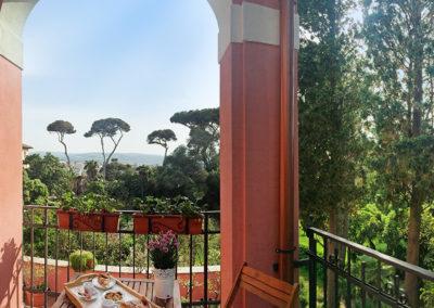 hotel-santa-marinella_bed-and-breakfast-beb-bb-castle-view_castello-vista-terrace-terrazzo